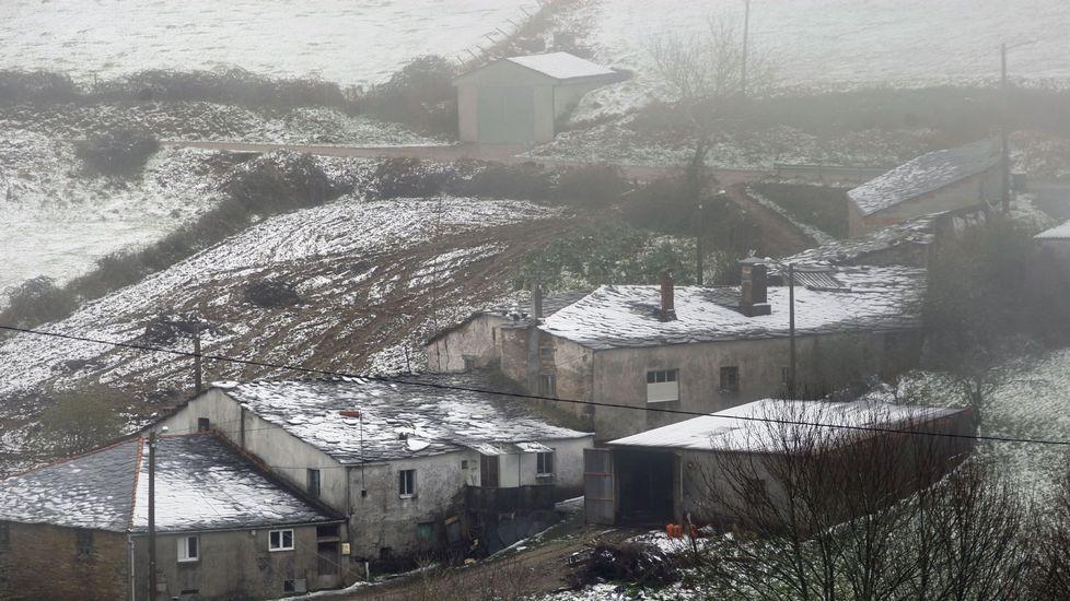 Una vista de la nevada en el pueblo de Valduz, en O Incio