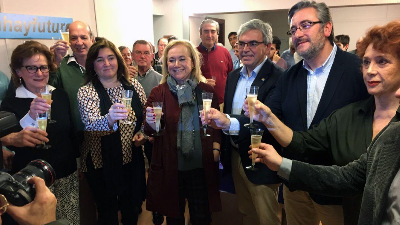 Concentración de los trabajadores del hotel de La Reconquista.Manifestación en defensa de la oficialidad de la llingua asturiana