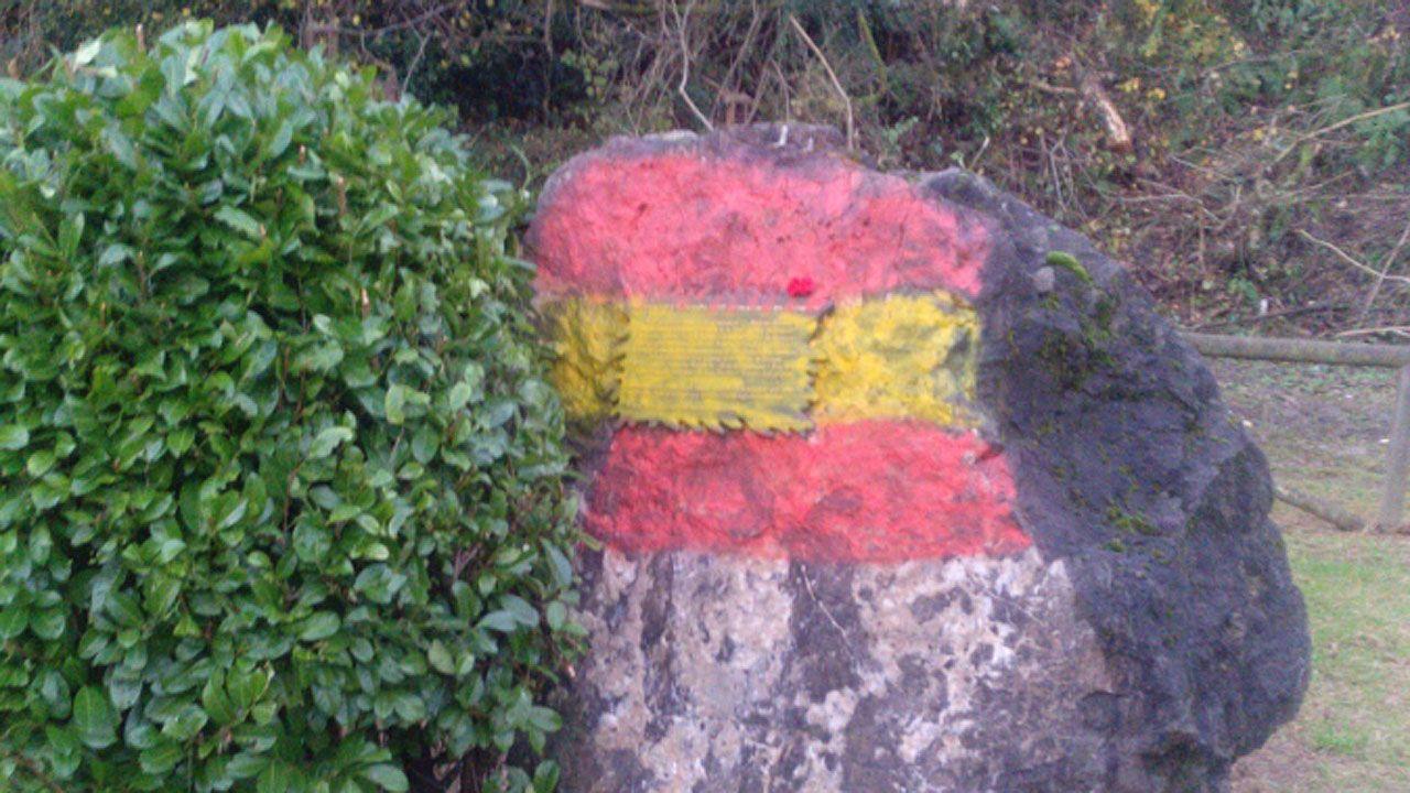 El vandalismo ultra de intensifica.La ministra de Fomento, Ana Pastor, durante una visita las obras de construcción de la Variante ferroviaria de Pajares