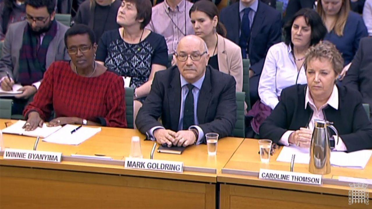 .Los directivos británicos de Oxfam en su declaración ante la comisión de investigación celebrada en el Parlamento de Londres.