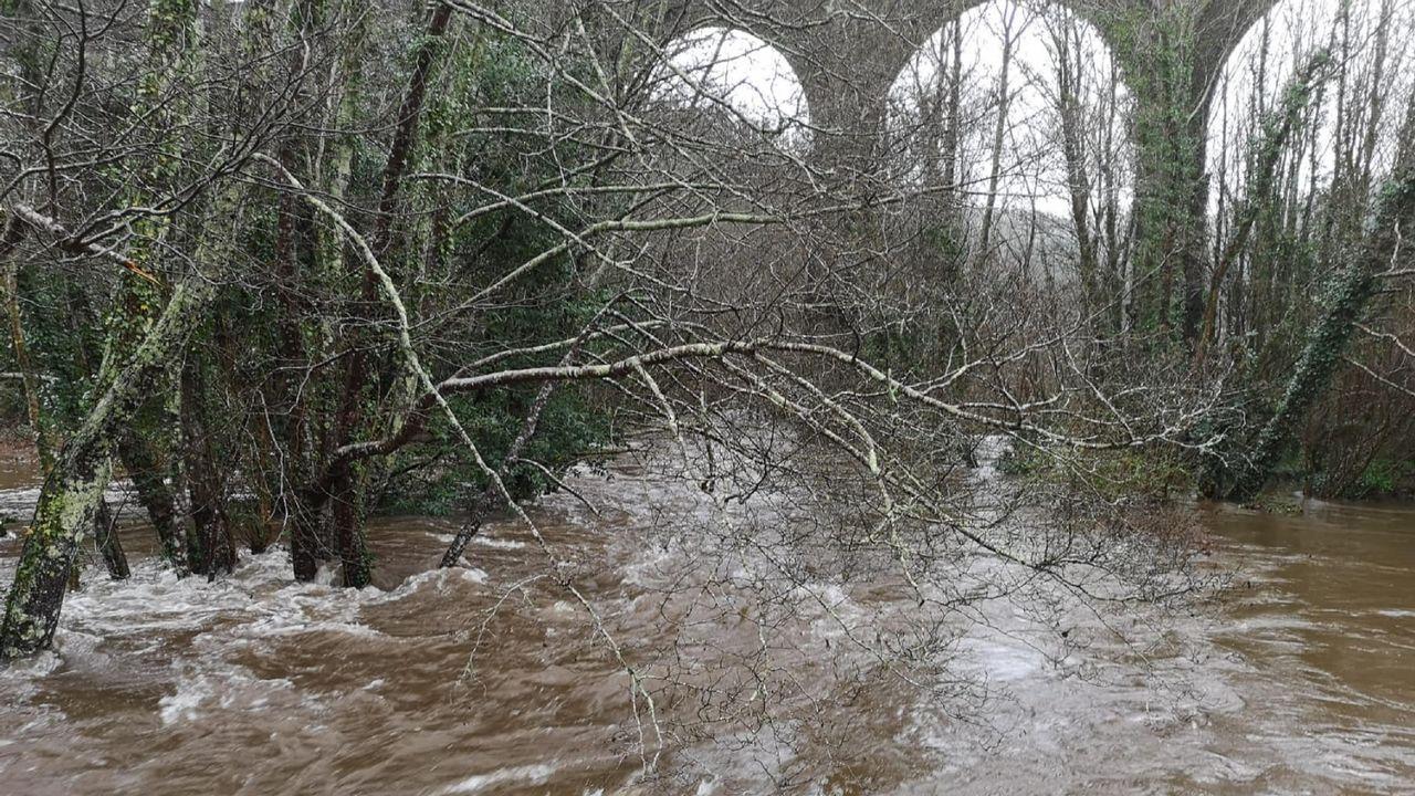 Desbordamiento del río Mera, en Mera, Ortigueira