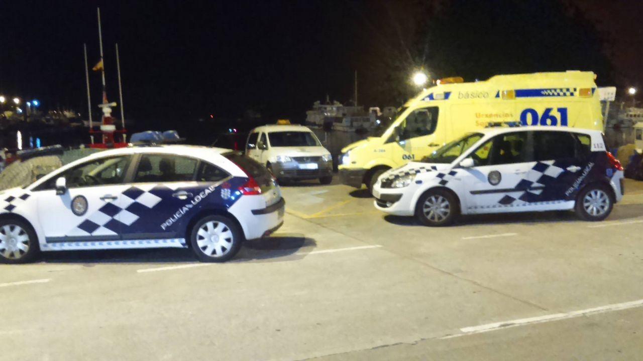 ÁLBUM   Cruz Roja de Laxe estrena embarcación de Salvamento.El buque Alonso de Chaves, de Salvamento Marítimo de Gijón