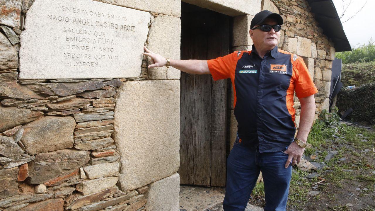 Gilberto Aponte campeón de motocrós cubano asentado en Lugo visita la casa natal de la familia de Fidel Castro