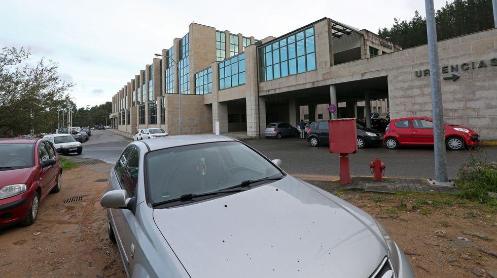 Chequeo al aparcamiento en el hospital de Barbanza