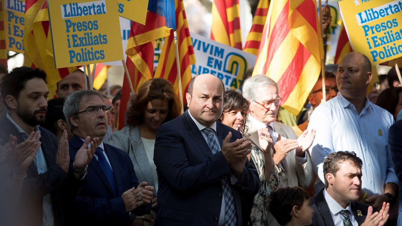 .El presidente del PNV, Andoni Ortuzar, participó también en la ofrenda floral.