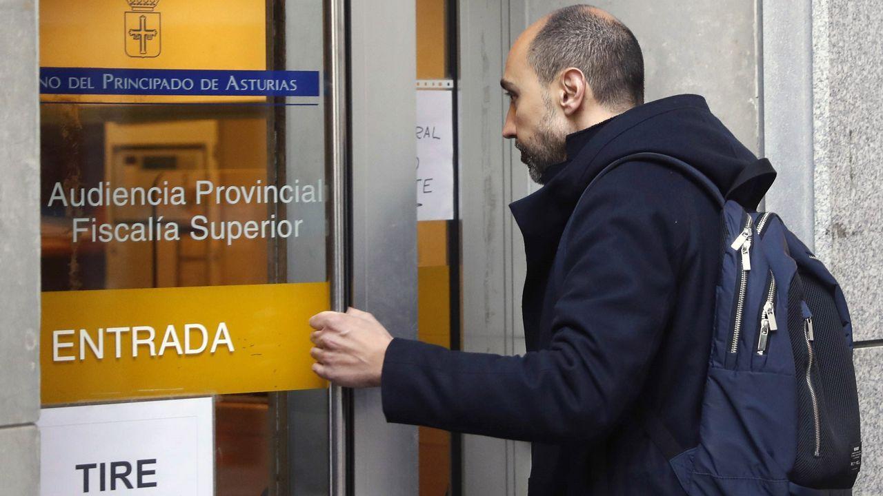 14 carrera femenina El Corte Ingles .El exjefe de producción del complejo cultural ,Marc Martí, entrando a la Audiencia Provincial de Oviedo