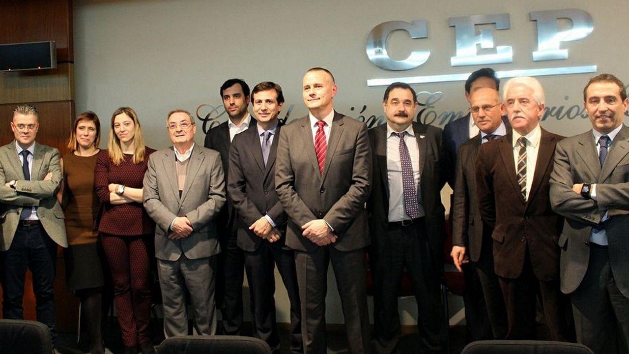 Jorge Cebreiros (en el centro) y su junta directiva, tras las elecciones del 26 de febrero del 2015 en la CEP