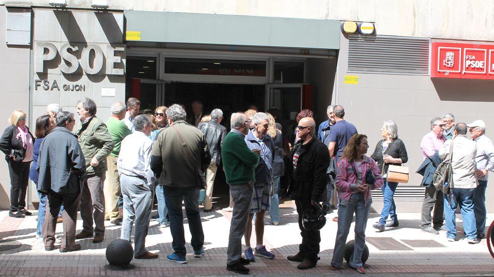 Adrián Barbón.La Casa del Pueblo de Gijón, durante las primarias del pasado mes de mayo