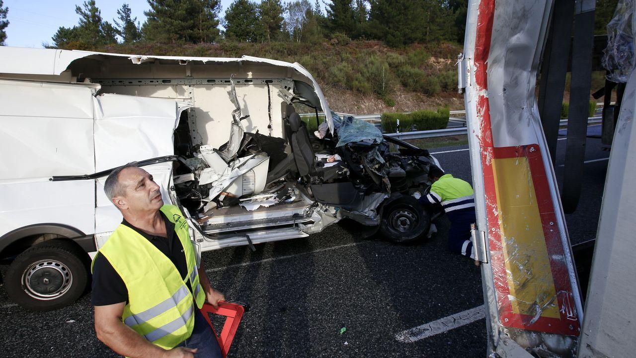 Un herido en el choque de una furgoneta y de un camión en la A-6