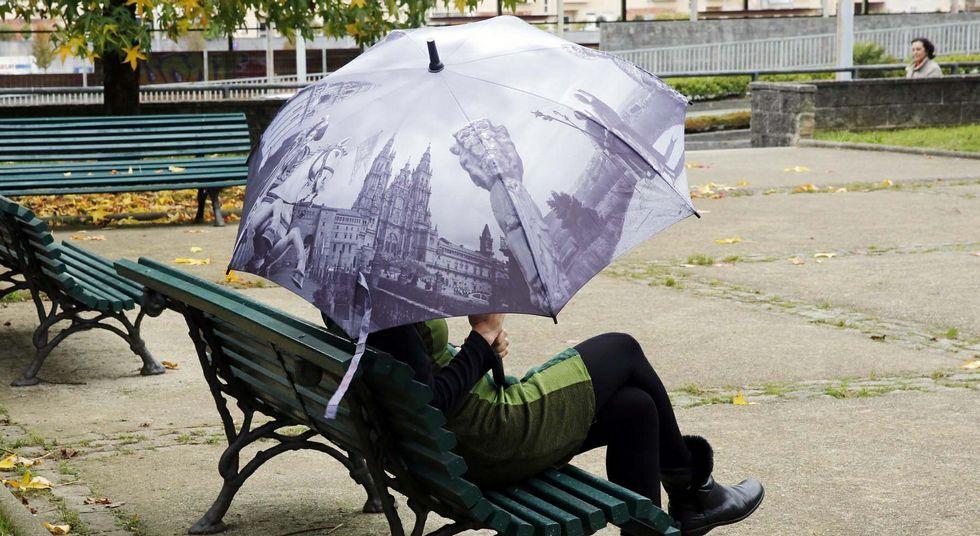 Miradores de la ciudad.Los tonos grisáceos del paraguas recuerdan a los días lluviosos en los que podrá utilizarse.