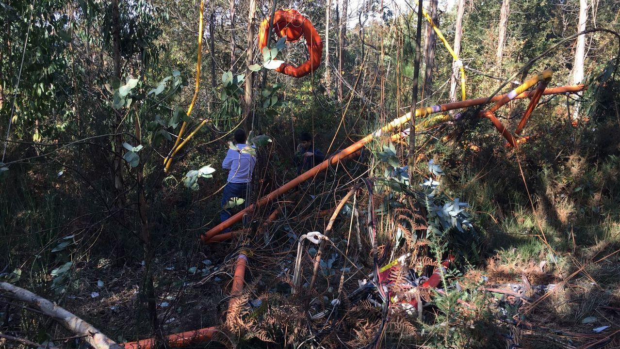 Un helicóptero suelta el georradar con el que buscaba cobre en Boqueixón