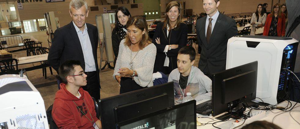 Los conselleiros Alfonso Rueda y Beatriz Mato respaldaron ayer el evento con una visita.