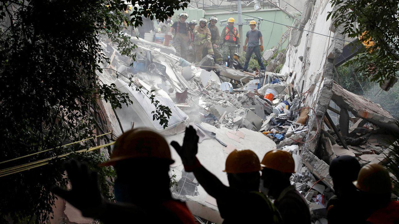 Cadena humana tras el terremoto en México