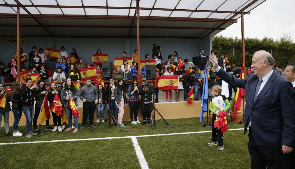 La fiesta azulgrana por las calles de Barcelona.La presencia de Del Bosque fue un acontecimiento en Maceda, donde inauguró el reformado campo de fútbol y se le dedicó una calle.