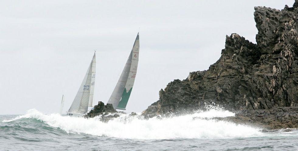 El viento, las olas y Cabo Home fueron un foto de dificultad para los participantes en la regata Rías de Galicia que finalizó ayer.