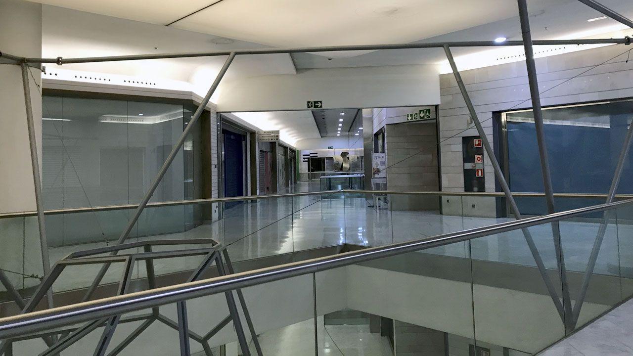 Miles de personas participaron en la Preba de la Sidra de Gascona.Interior del centro comercial Modoo, en el Calatrava
