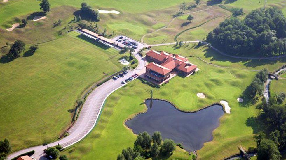 Hotel Casa Peleyón.Campo Municipal de Golf Las Caldas