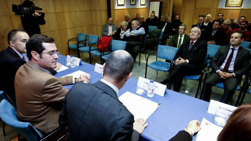 Rajoy, ayer junto al presidente de la CEOE, Juan Rosell.