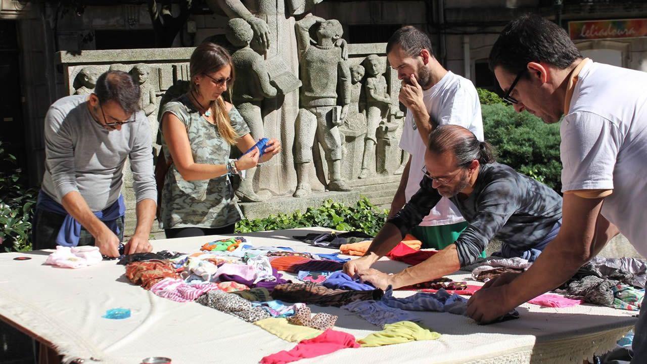 Vigo aprueba inicialmente los presupuestos de 2019 con los votos del PSOE.Imagen de una de las actividades desarrolladas por Emaus al aire libre en Vigo