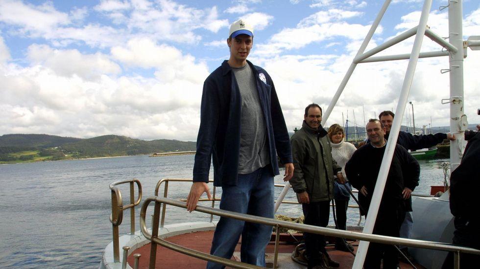 Gasol, en Muxía en el 2003