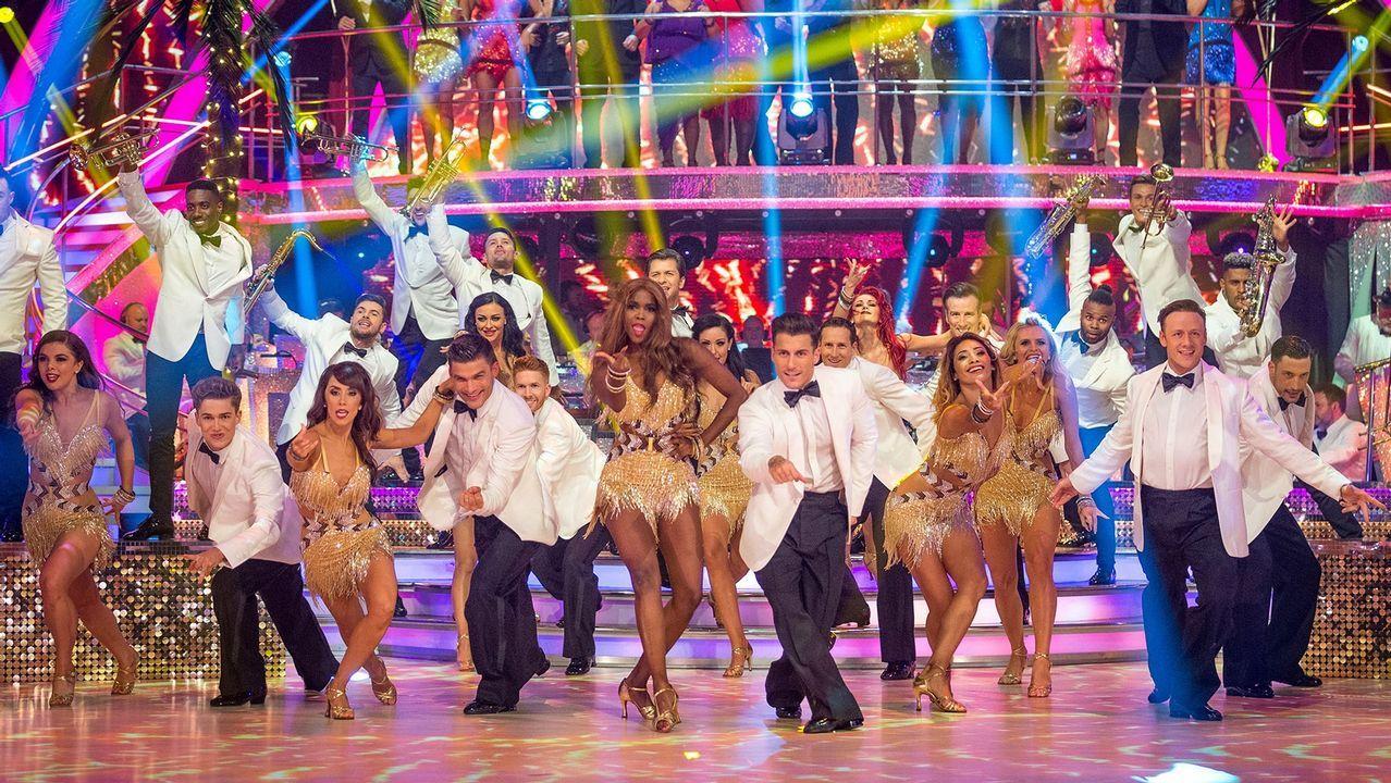 Un fotograma de «Bailando con las estrellas», que estrenó la BBC y se ha exportado a 55 países. Llega a España de la mano de TVE