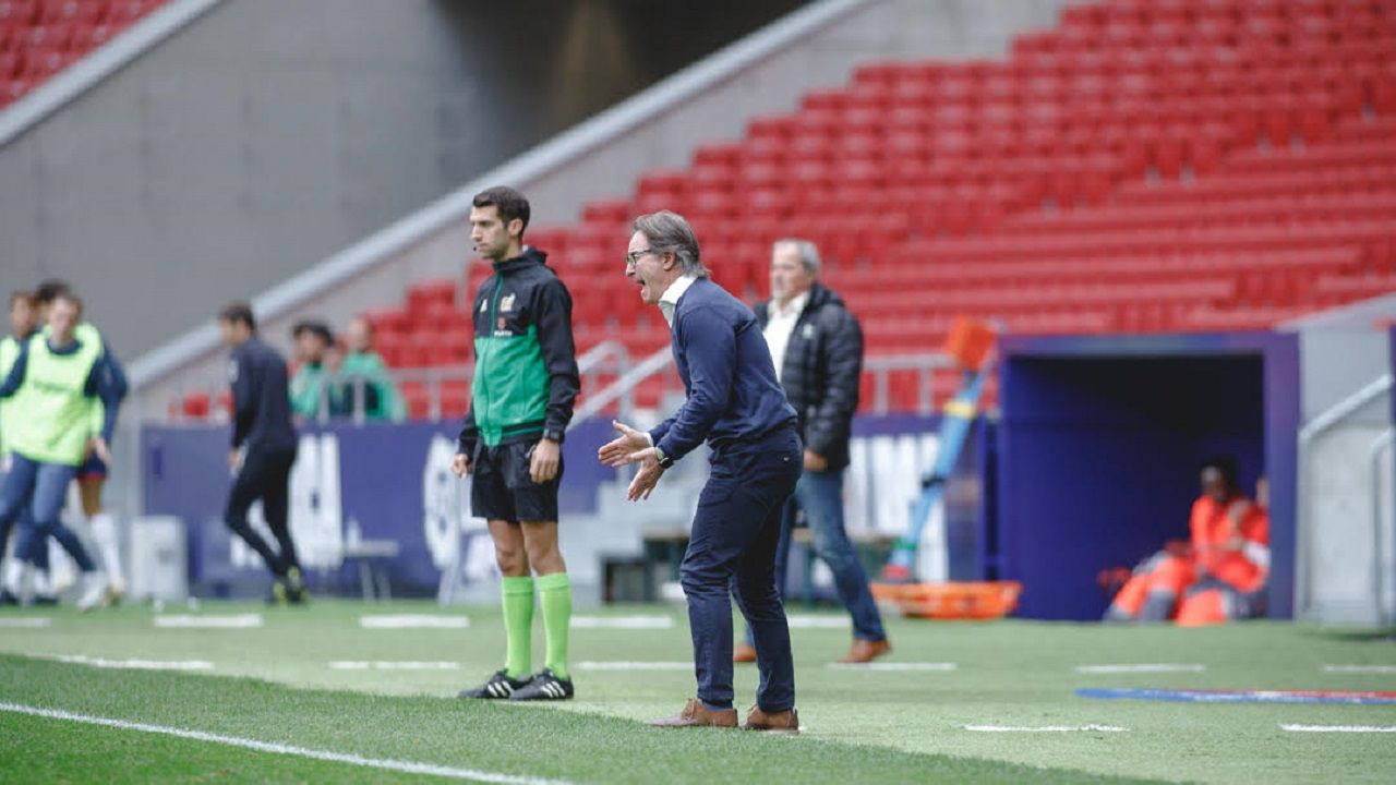 Saul Berjon Real Oviedo Elche Carlos Tartiere.Anquela durante el Rayo Majadahonda-Real Oviedo