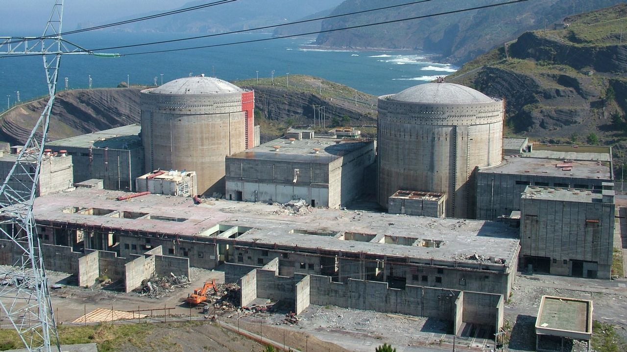 .Solo el cierre de la central nuclear de Lemóniz costó más de 6.000 millones de euros
