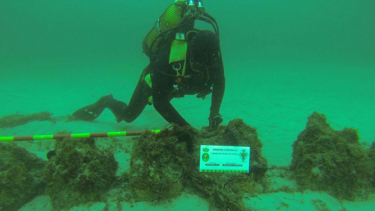 La Armada que opera bajo el mar.Al llegar al buque, Francesca le pidió a Pablo una foto. Es la única imagen de los dos juntos, que él le enviaría por Facebook