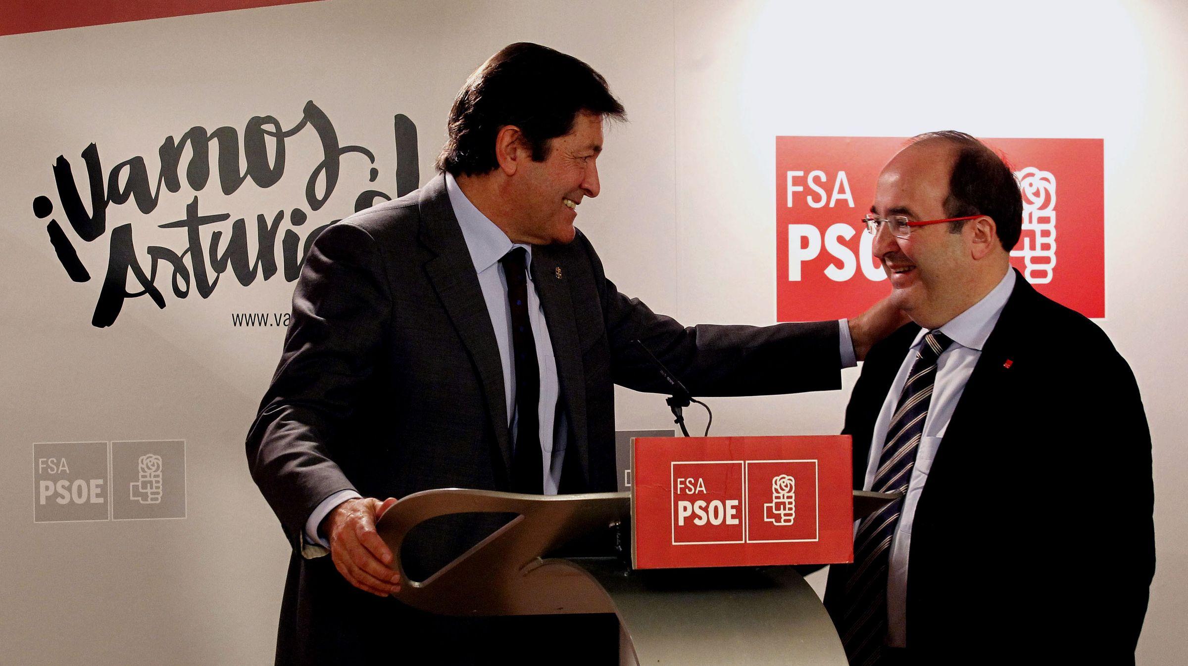 El PSOE elegirá a su nuevo líder en mayo y celebrará su congreso a mediados de junio.Javier Fernández y Miquel Iceta