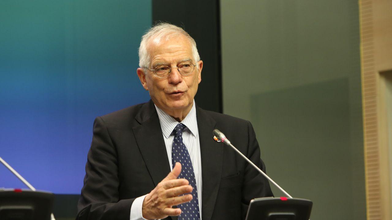 Retenciones en la autopista AP9 por las obras de Rande.«El Reino Unido pierde capacidad soberana», aseguró Josep Borrell