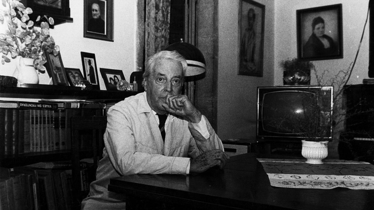 Candidato a los 100 años.A biografía percorre as circunstancias vitais de Dieste e detense na súa obra literaria