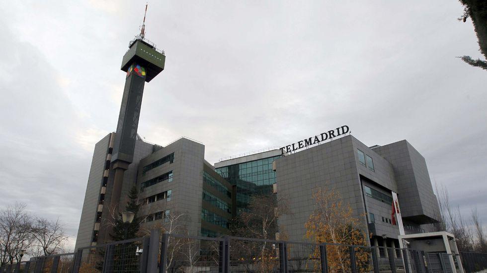 Sede de la RTPA, en Gijón.En sentido de las agujas del reloj, Nacho Carballo, Jaime de Linaje, Gonzalo de Pedro y Jorge Rivero
