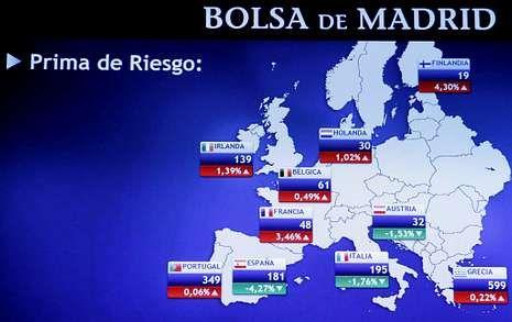 Monitor de la Bolsa de Madrid, en el que se reflejaban ayer las primas de riesgo.