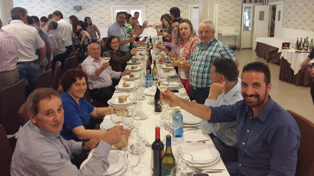celebracion fiesta de los funcionarios Santa Rita en Barbanza.