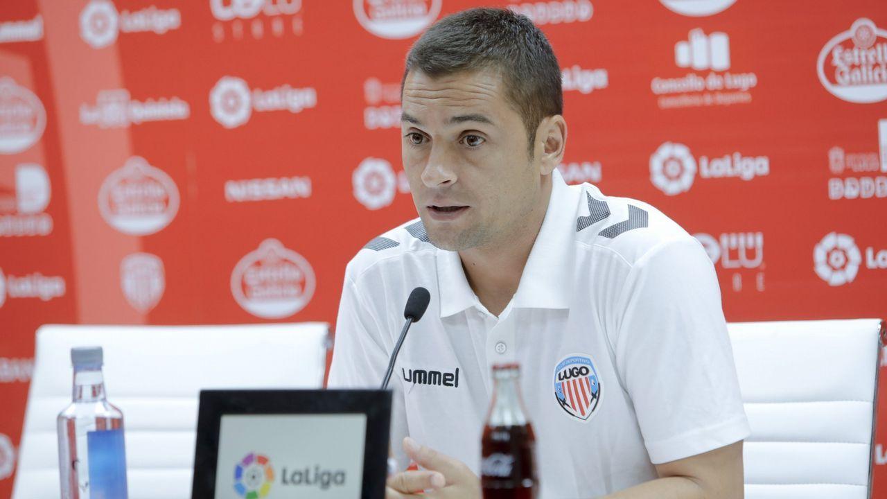 Christian Rivera Real Oviedo.Anquela durante el Rayo Majadahonda-Real Oviedo