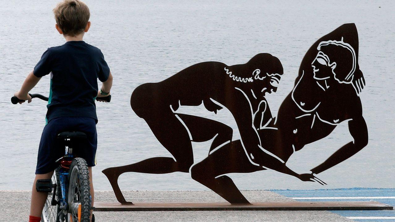 Las esculturas sexuales de Miró toman Valencia.