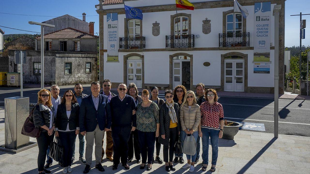La primera tonelada de arándanos gallegos ya está en el mercado.Asamblea de afectados de Lácteos Pérez, celebrada a principios de octubre