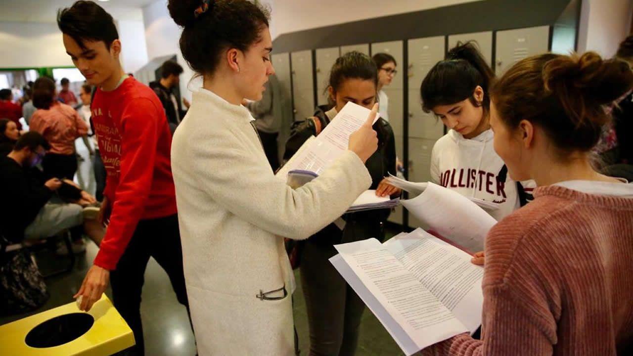 Los estudiantes se enfrentan en Vigo al segundo examen de la selectividad