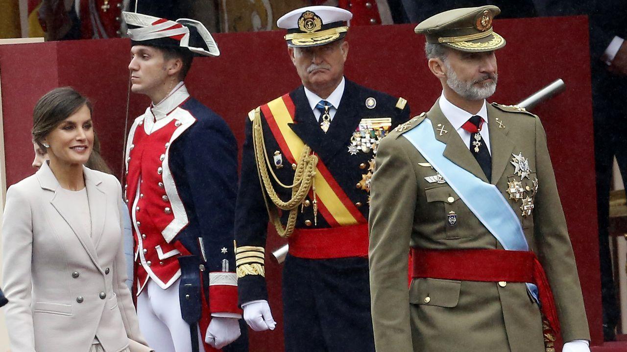 Desfile del Dia de la Fiesta Nacional: La reina y las infantas