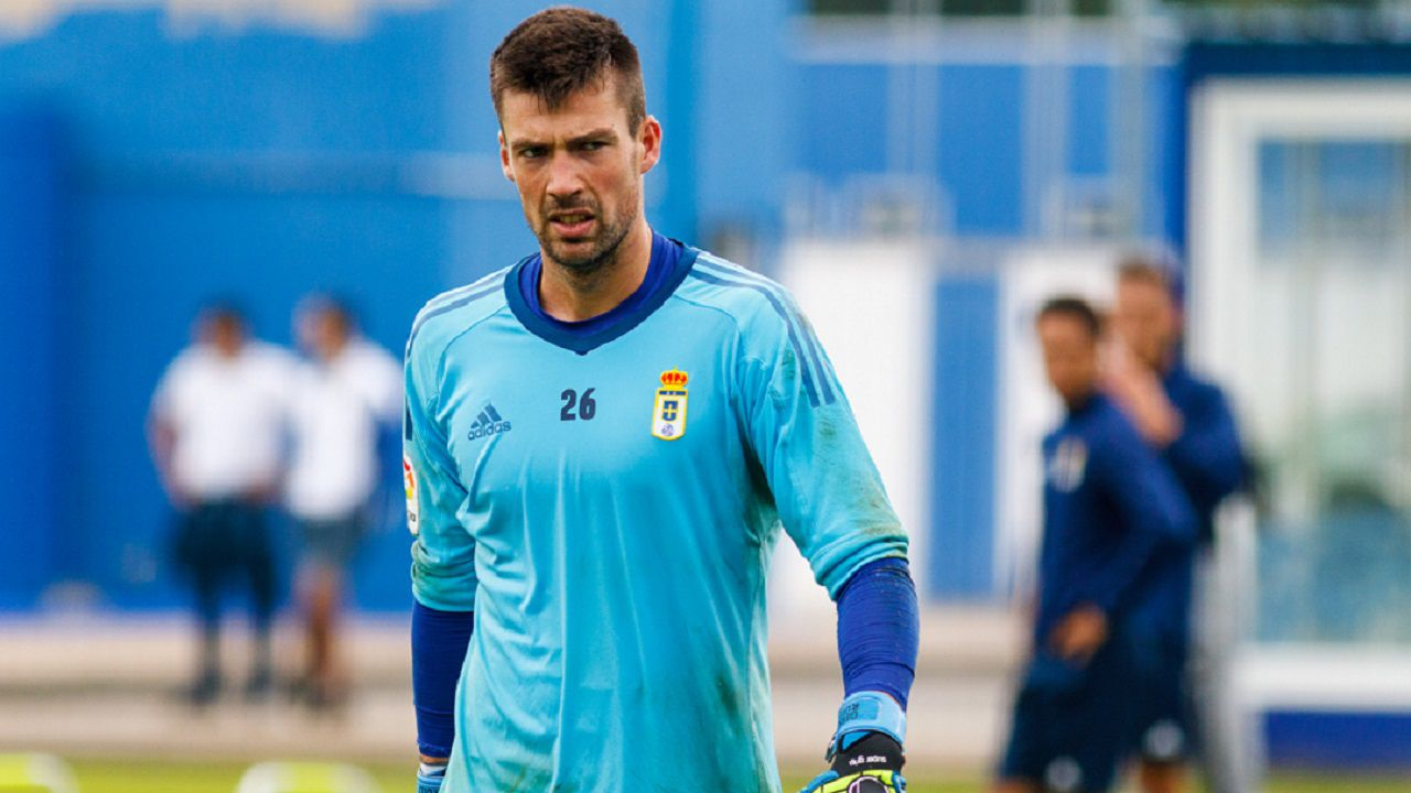 Gorka Giralt Real Oviedo Vetusta Requexon.Gorka Giralt, durante un entrenamiento en El Requexon