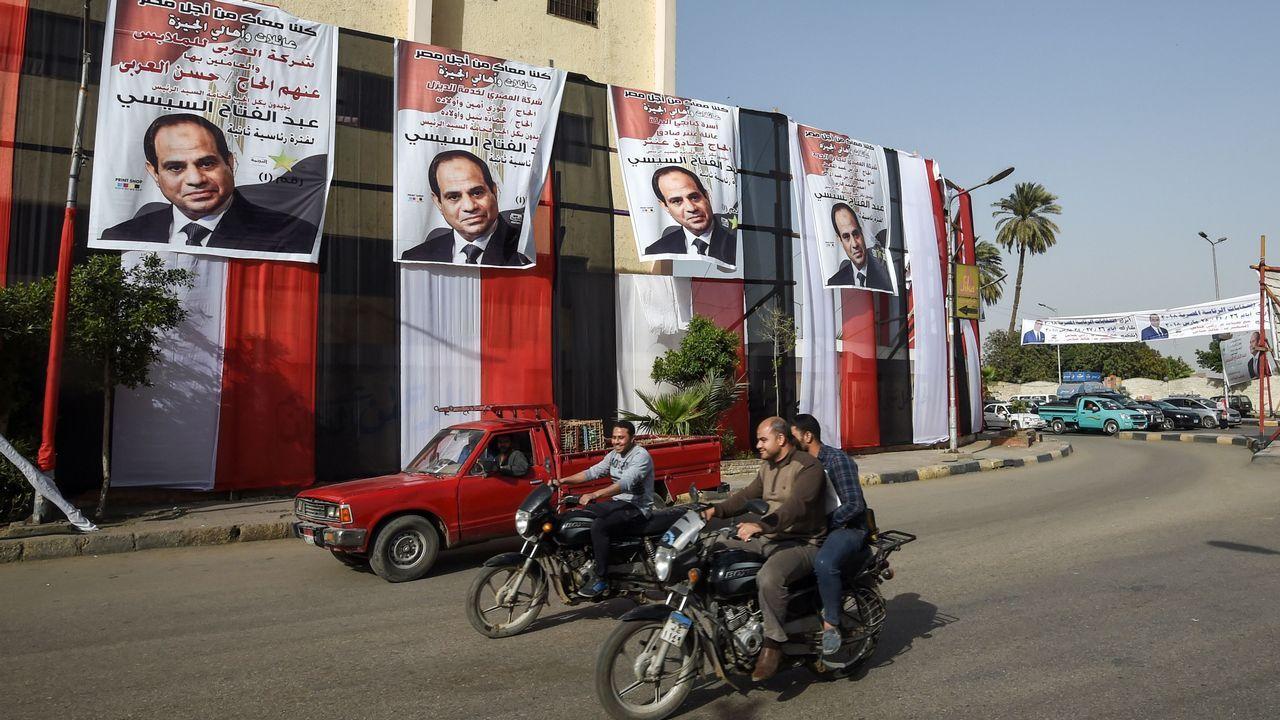 .Los carteles de Al Sisi están por todas partes