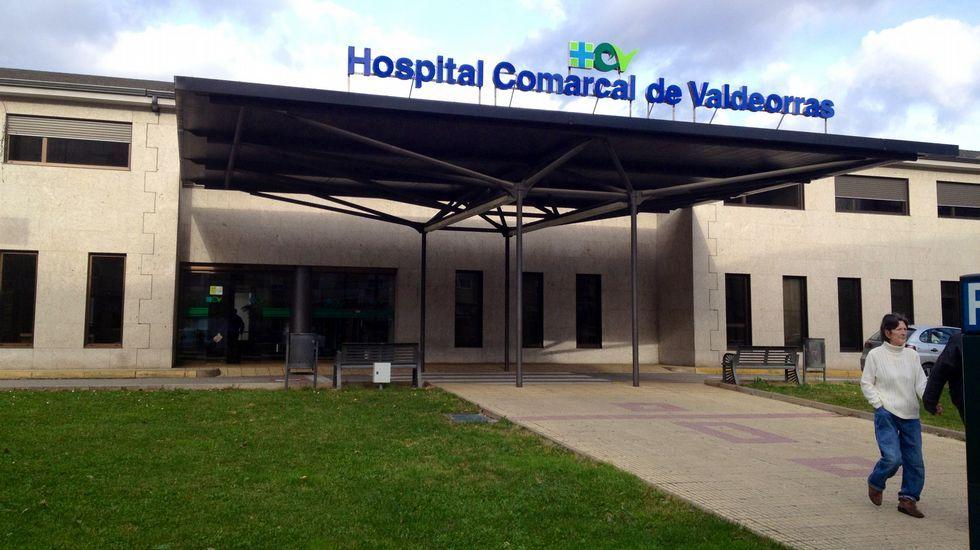 Aprovechan el bajo nivel del embalse de Viana do Bolo para limpiarlo