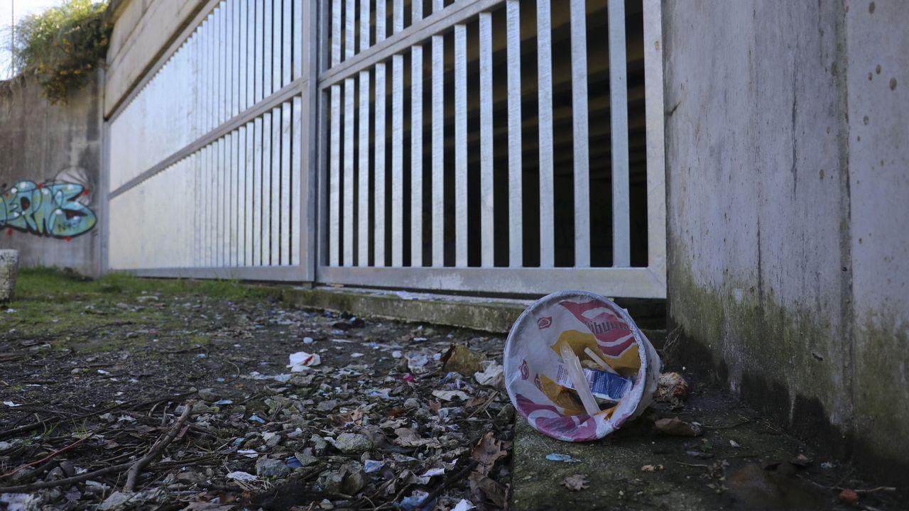 El concello de Santiago cerró un subterráneo cercano al campus sur usado hace un año como chutadero