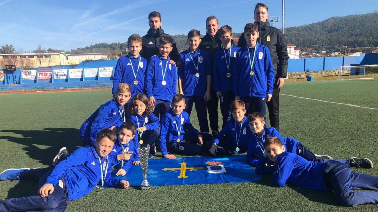 Foto de equipo del alevín A del Real Oviedo