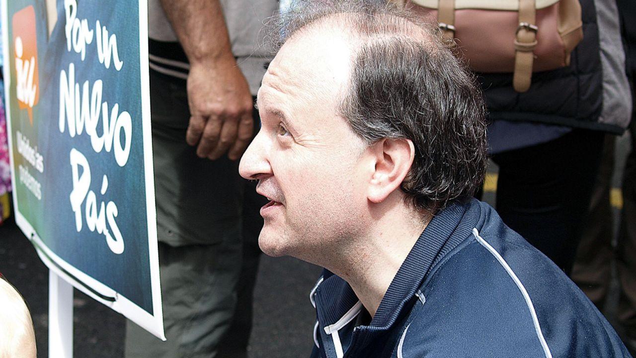 Una representación delante del jurado del desfile de Les Carroces de Valdesoto.David Álvarez