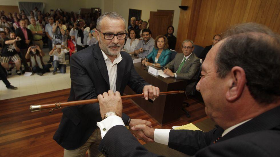 Óscar Patiño toma el bastón de mando.Oscar García Patiño nuevo alcalde de Cambre.
