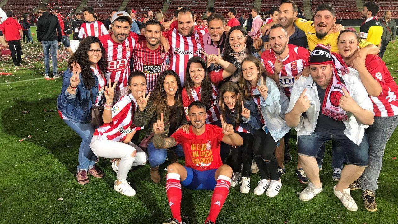 Las mejores imágenes del Girona - Celta.Jugadores del Barça B celebran un gol al Lugo