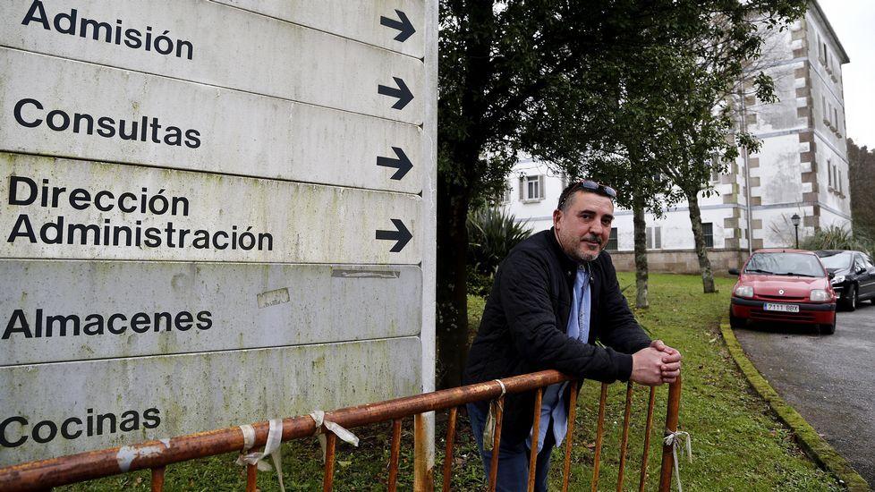 Chicote, en el Irlanda: «Ni que Galicia fuese una tierra de trolls».Manolo Chicote, ayer en su casa, tiene en proyecto un libro de recetas suyas y de las casas de comida tradicionales de Pontevedra.