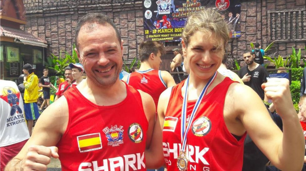 Ana Castelló junto a su entrenador, Jose Ramón Cabrero Álvarez, en el campeonato del mundo celebrado en Tailandia.Ana Castelló junto a su entrenador, Jose Ramón Cabrero Álvarez, en el campeonato del mundo celebrado en Tailandia