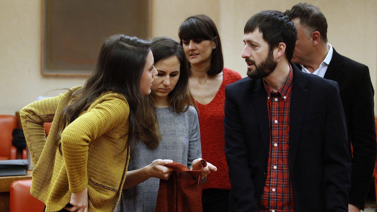 | Europa Press.Montero (izquierda) fue la encargada de enmendar la ruptura con Errejón anunciada por Iglesias